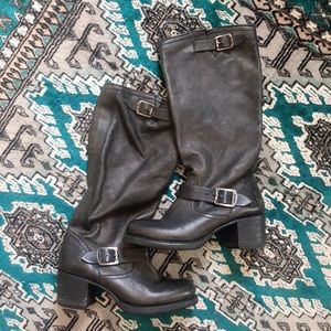 Vera y'all slouch heeled boot